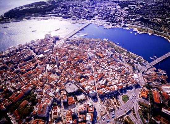Galata, Şişhane, 2003. © Oğuz Meriç.